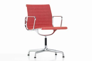 Aluminium Chair EA 104  by  Vitra