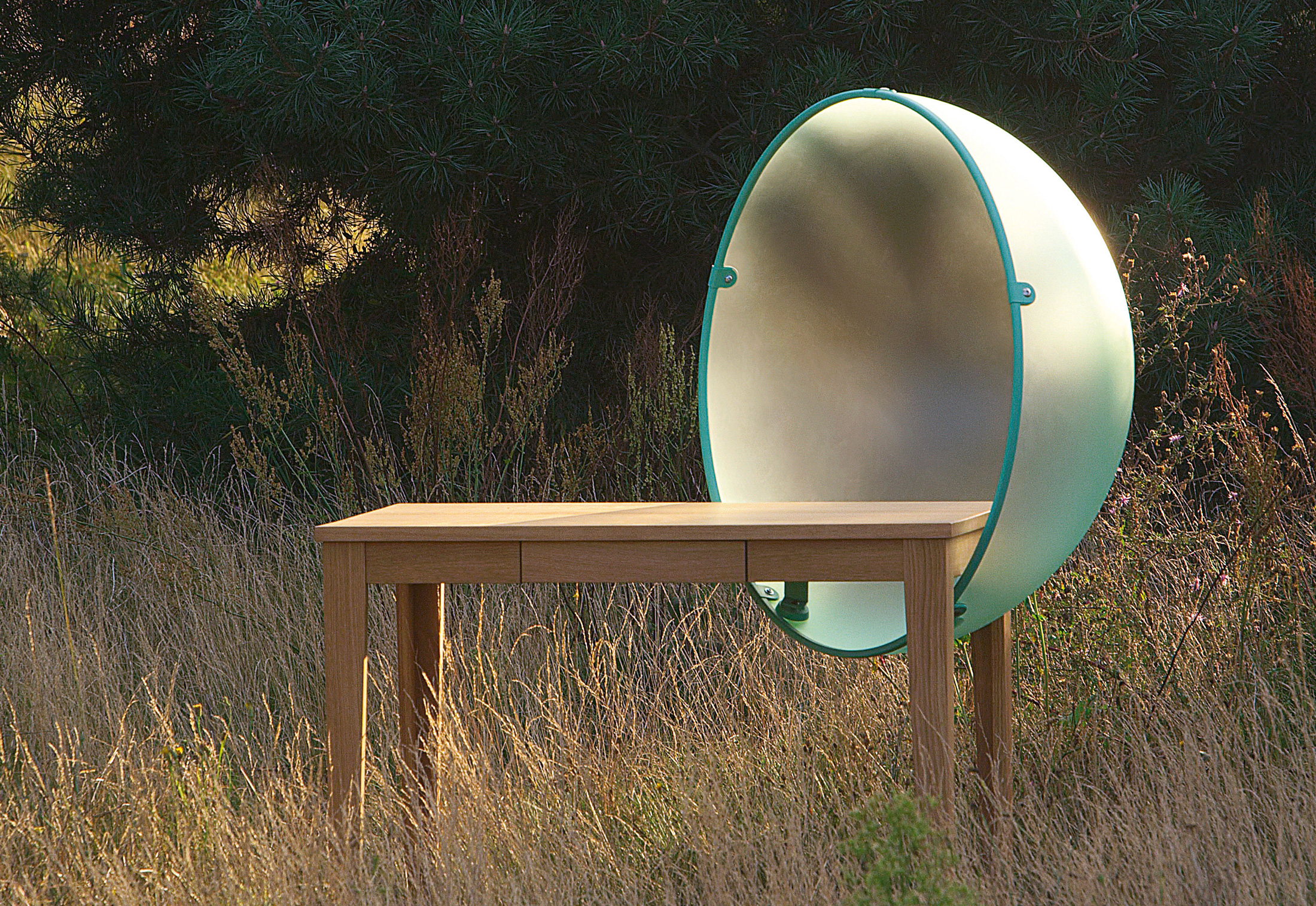 Sphere table by vitra stylepark for Tavolo lavoro black decker