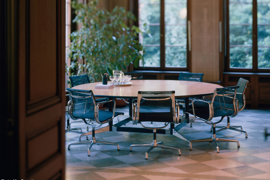 Aluminium Chair 107 - 108
