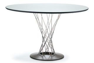 Dining Table circular  by  Vitra