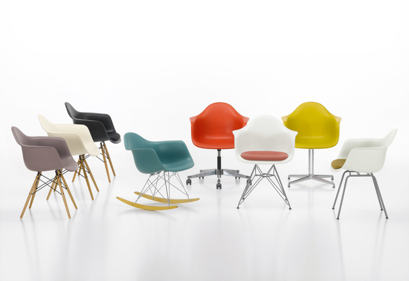 Eames plastic armchair dar by vitra stylepark for Chaise a bascule design