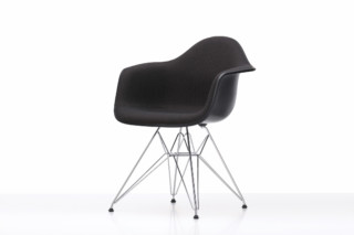 Eames Plastic Armchair DAR  von  Vitra