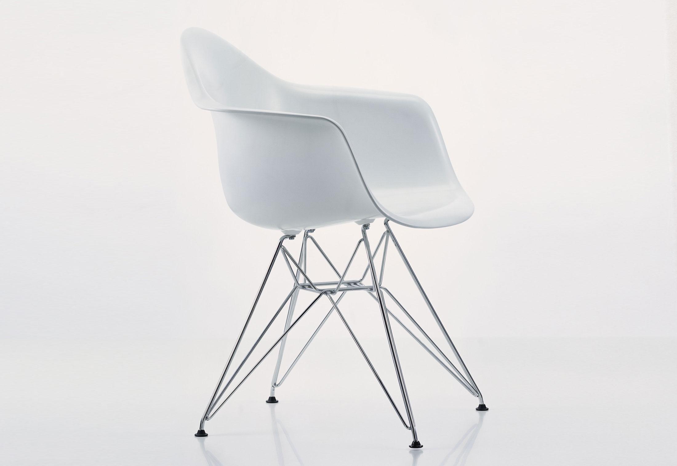 eames plastic armchair dar by vitra stylepark. Black Bedroom Furniture Sets. Home Design Ideas