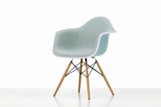 Eames Plastic Armchair DAW  von  Vitra