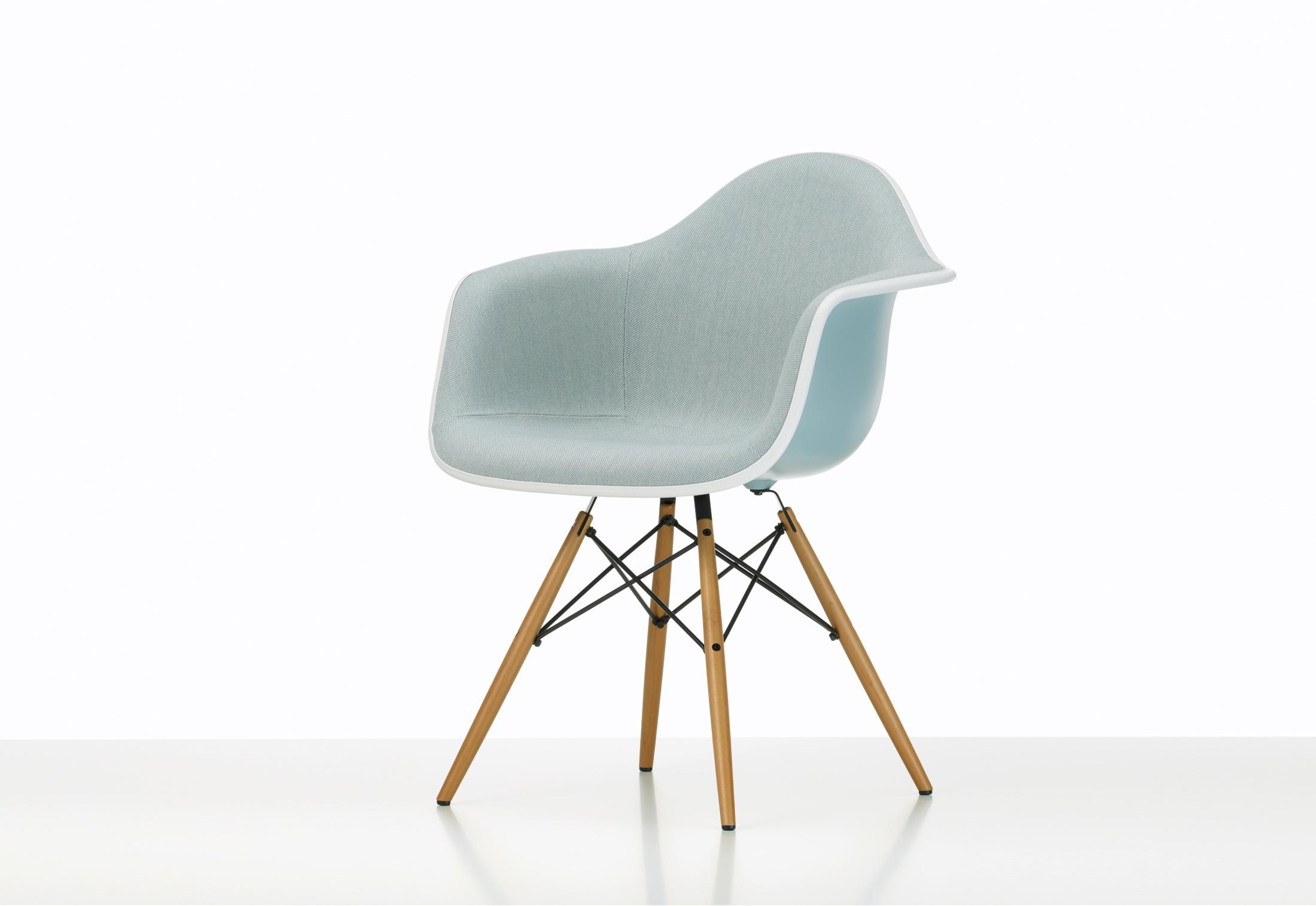 Eames Plastic Armchair DAW von Vitra | STYLEPARK