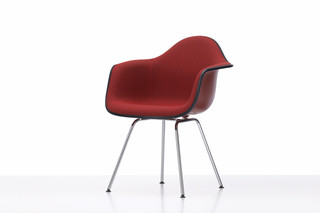 Eames Plastic Armchair DAX  by  Vitra