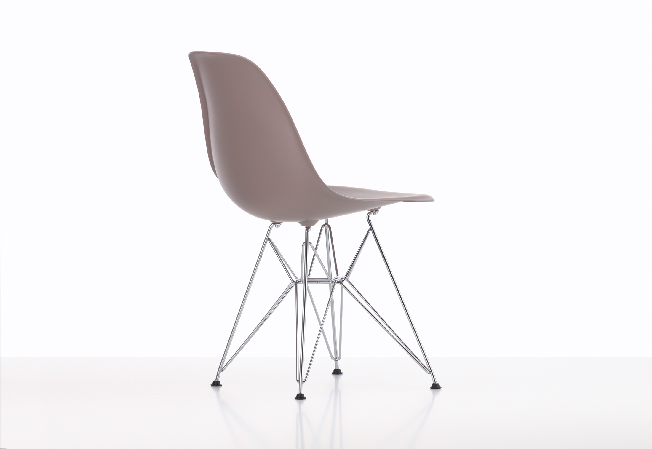 eames plastic side chair dsr by vitra stylepark