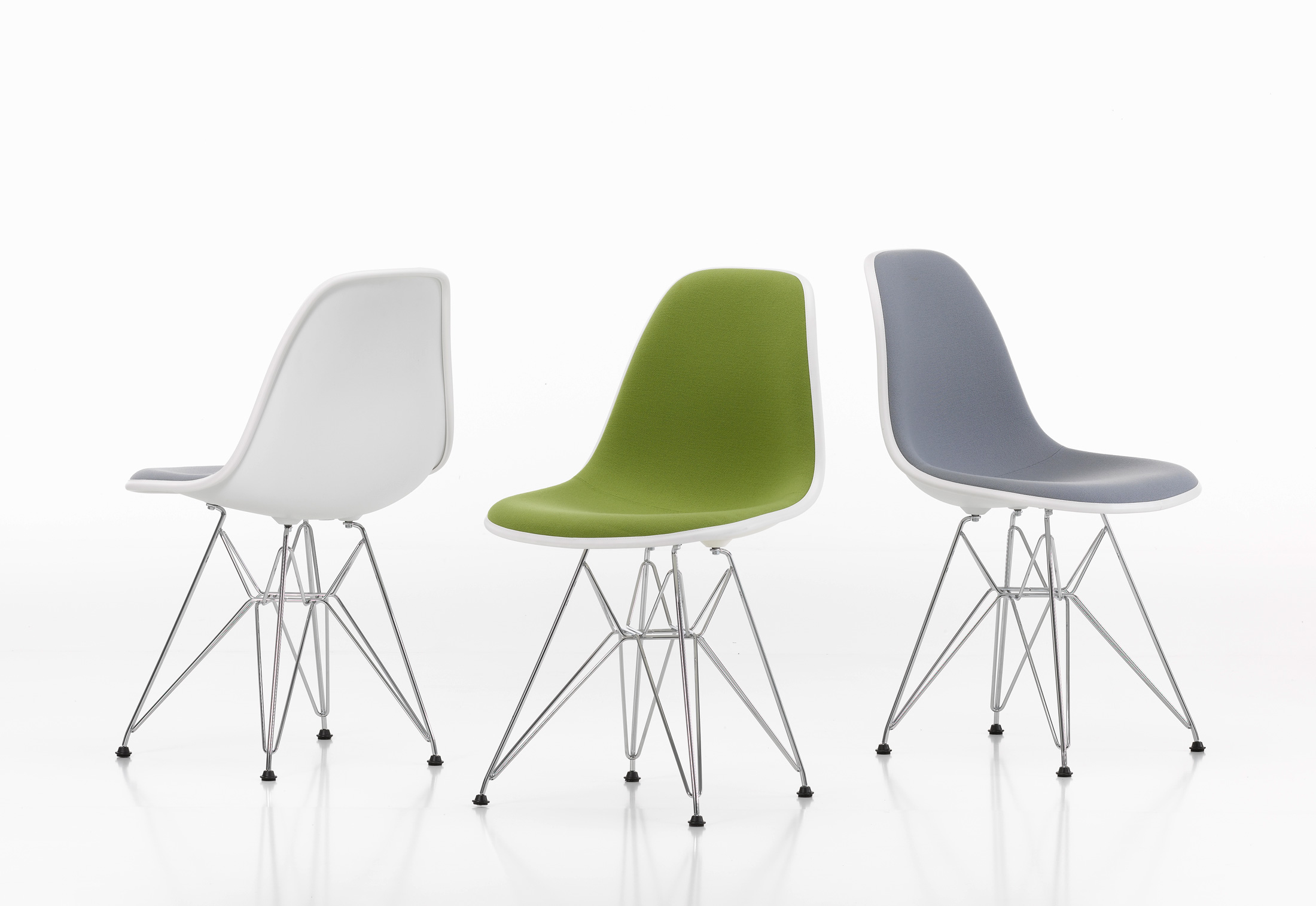 Eames plastic side chair dsr by vitra stylepark for Eames chair vitra replica
