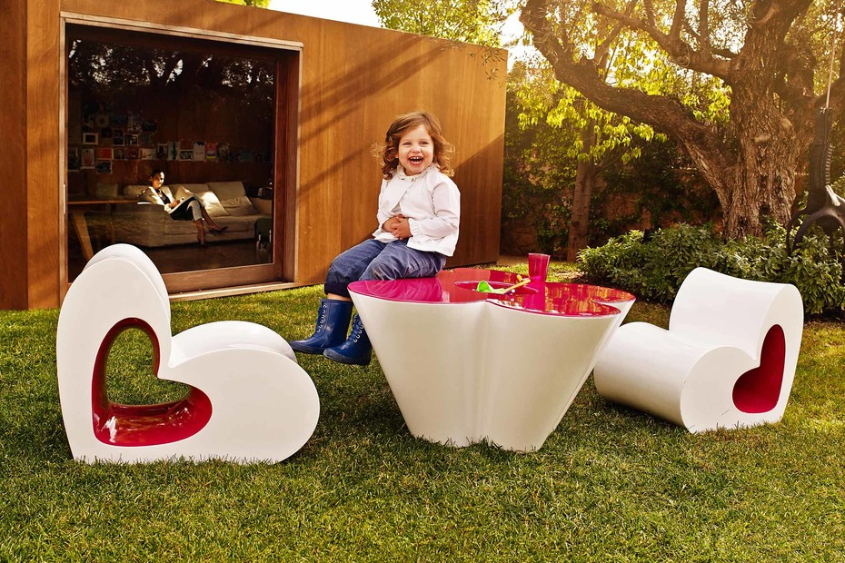 Agatha table and flower pot