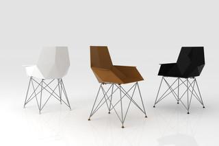 Faz chair with armrests  von  VONDOM