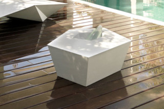FAZ side table  by  VONDOM