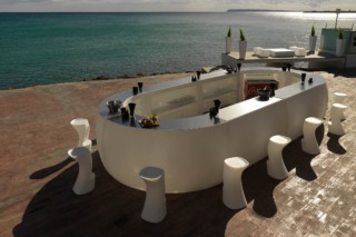 Fiesta bar  by  VONDOM