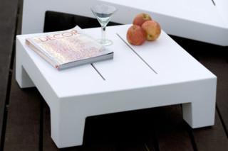 JUT table 60  by  VONDOM