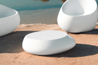 Stones coffee table  by  VONDOM