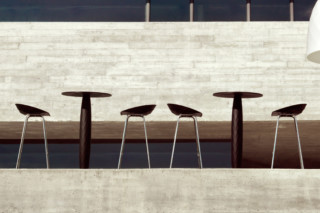 Vases cocktail table  by  VONDOM