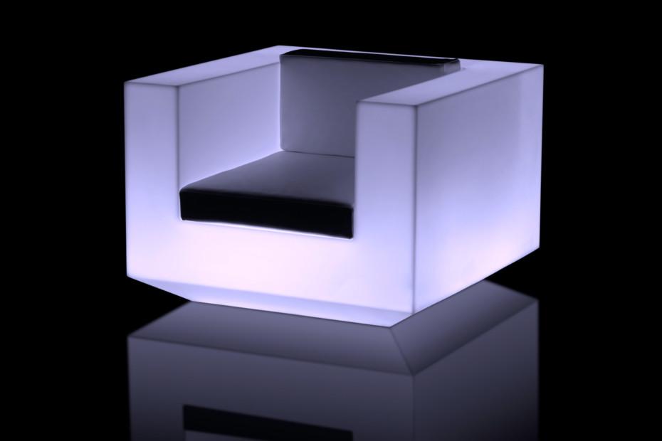Vela armchair with light