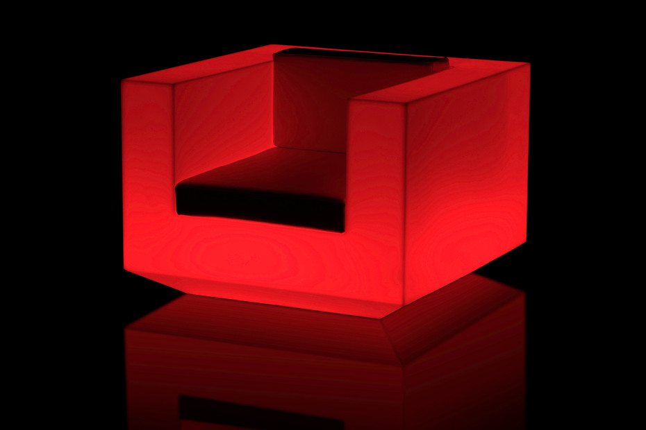 Vela armchair with light