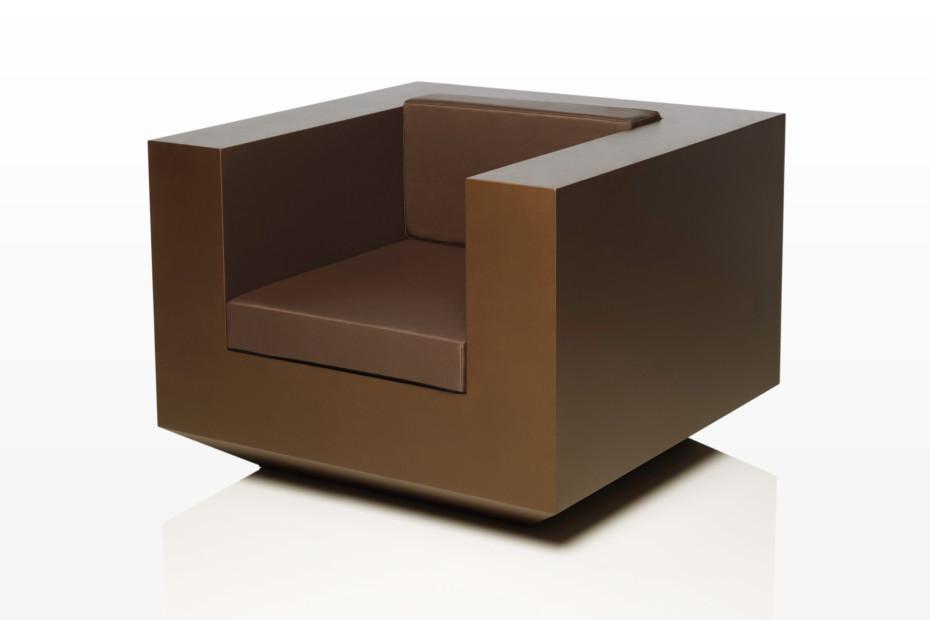 Vela armchair