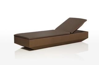 Vela chaise lounge  von  VONDOM