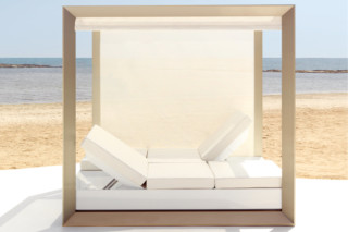 Vela Daybed with sunshade  by  VONDOM