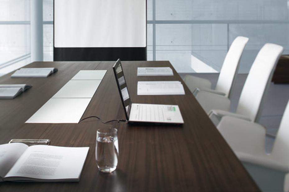 CEOO Konferenztisch