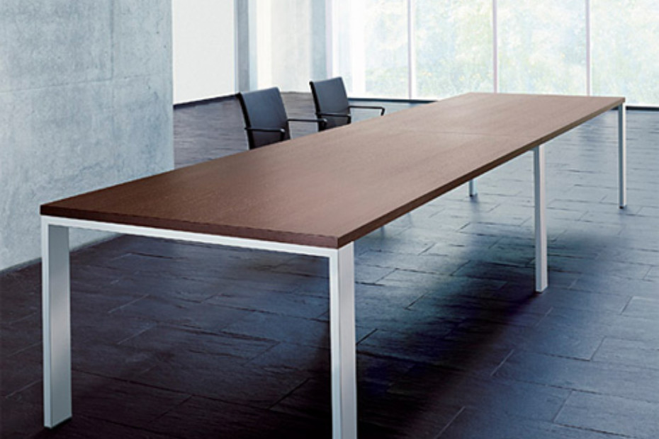 Frame Lite Conference table