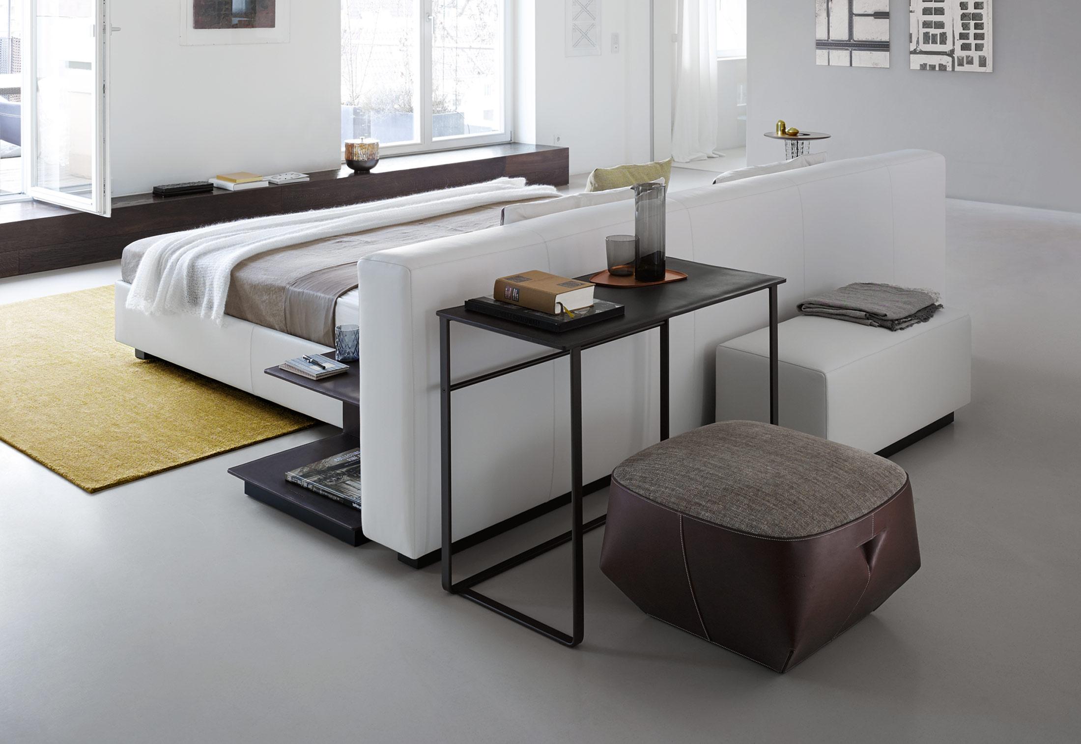 Yuuto bett von walter knoll stylepark for Sofa als raumteiler