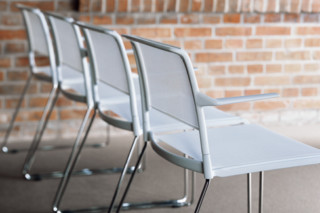 Aline 230/2 Skid-base chair  by  Wilkhahn