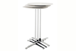 Aline 236/3 Cocktail table  by  Wilkhahn
