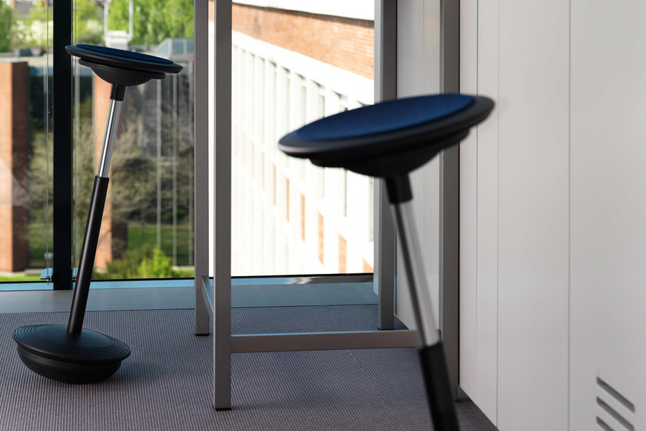 FS 211/8 Swivel chair