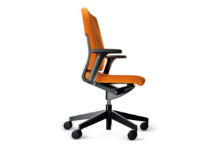 Neos 181/71 Swivel Chair  by  Wilkhahn