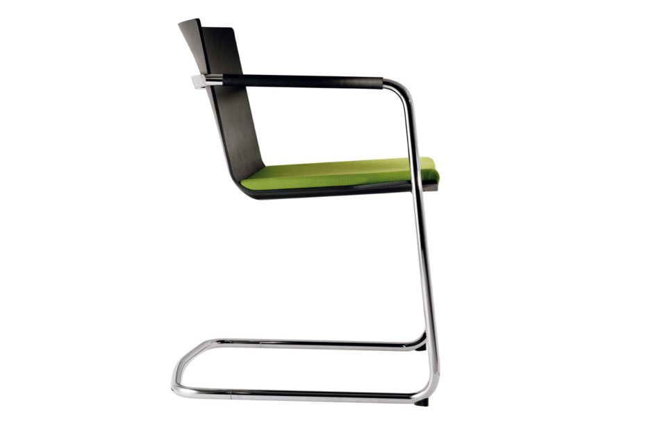 Neos 183/3 Cantilever chair