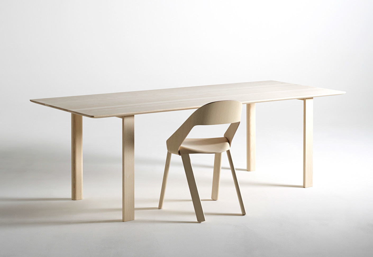 WOGG TIRA solid wood table by Wogg | STYLEPARK