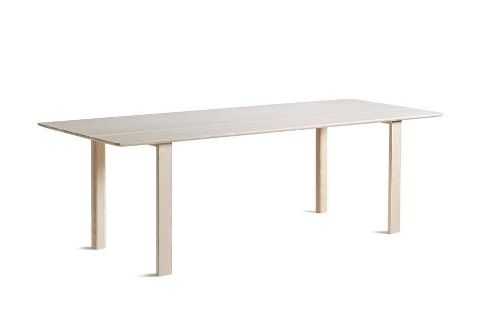 WOGG TIRA solid wood table