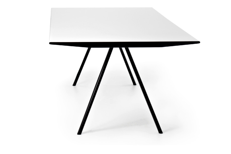 WOGG TIRA table Eichenberger