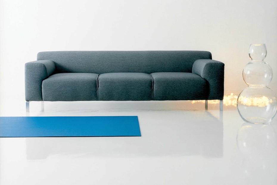 1323 GREG Sofa
